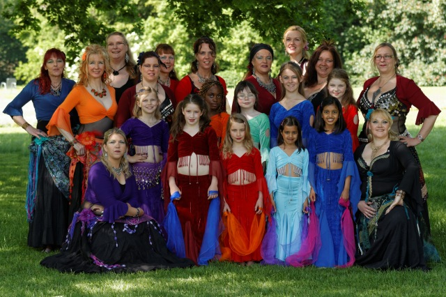 Aktive Tänzerinnen von Alenya